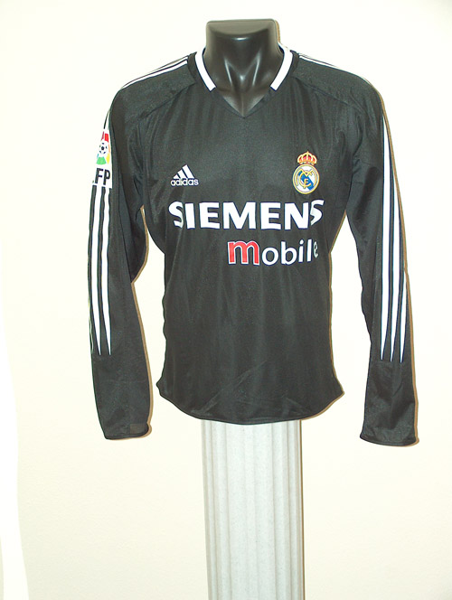 the latest d5a91 d5827 Real Madrid Memorabilia