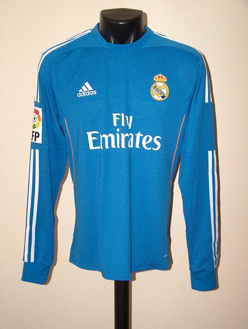 the latest 73d52 7eb2c Real Madrid Memorabilia